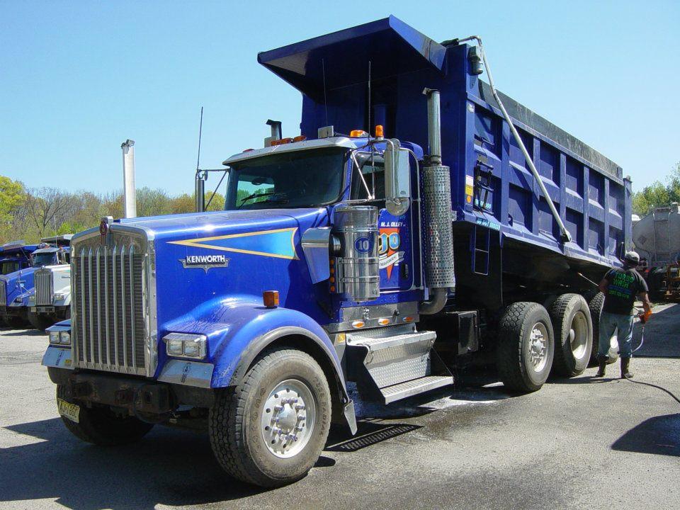 429514 311040902282783 1160418831 nBlue Truck Image