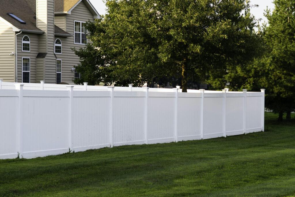 White Vinyl Fence Washing